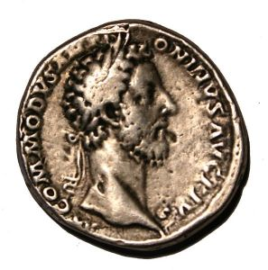 Denarius featuring the emperor Commodus (Arnaud Gaillard, CC BY-SA 1.0 license)