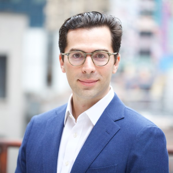 Northeastern alumna Jesse Greif applies the skills he learned as a psychology major at Northeastern to his work at an innovative AI-based Wall Street startup.