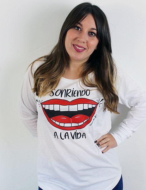 """Camiseta mangas largas """"Sonriendo a la vida"""""""