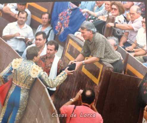 PEPIN JIMENEZ CON ALCALDE JOSE ANTONIO GALLEGO