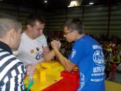 Gabriel poniendo en apuros al campeón Cosmin.