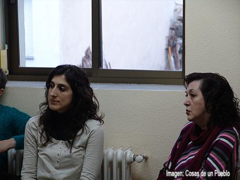Atentísimas al debate, Madre e hija 2 de las artífices de la presentación de ayer.