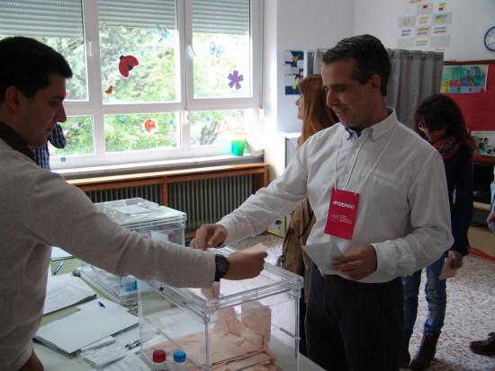 Javier Sastre votaba a mediodía