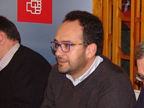 Antonio Hernando ayer en la Cafetería Europa