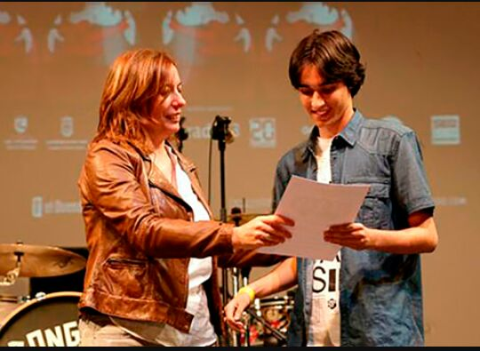 Recibiendo el premio del FESTIMAD