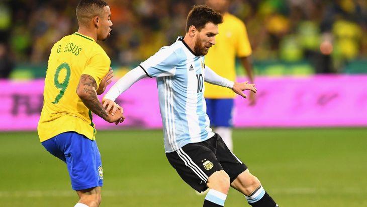 Lionel Messi es uno de los zurdos más famosos del mundo deportivo