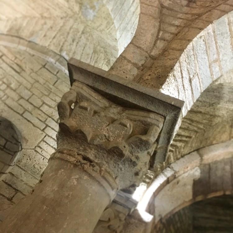 capitello romanico Rotonda di San Tomè