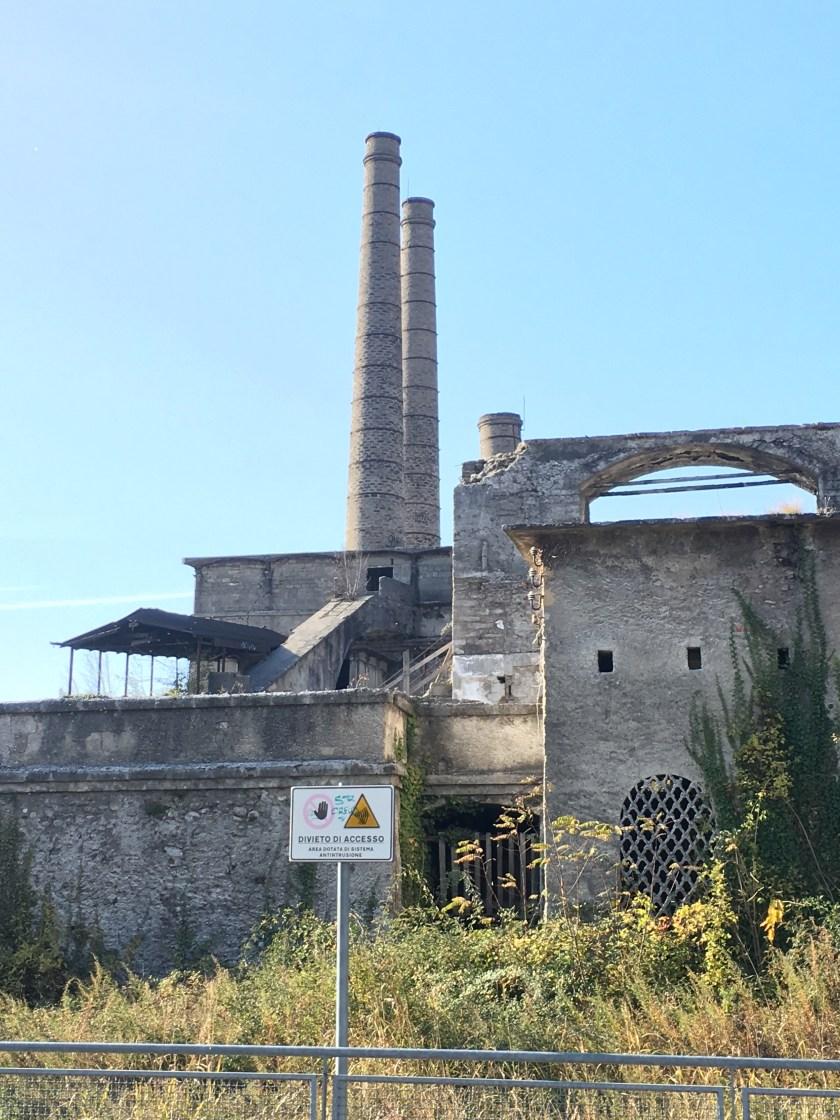Ciminiere dell'ex cementificio Italcementi di Alzano Lombardo