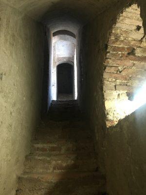 Scale in pietra Torre di Tristano