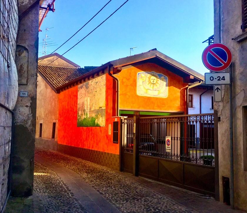 Muri dipinti a Calcio