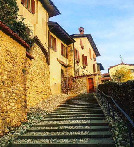 Alla scoperta di Bonate Sotto, a due passi dal Brembo, tra Romanico e prati aridi