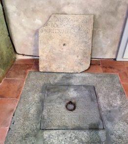 15 pozzetto da cui venivano calati i defunti