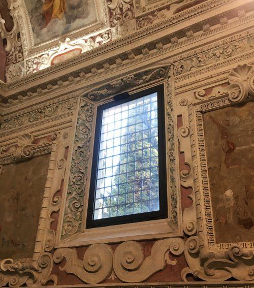 19 finestre con cornici barocche