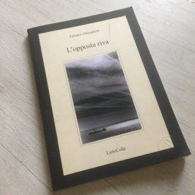 Volume di poesie L'opposta riva
