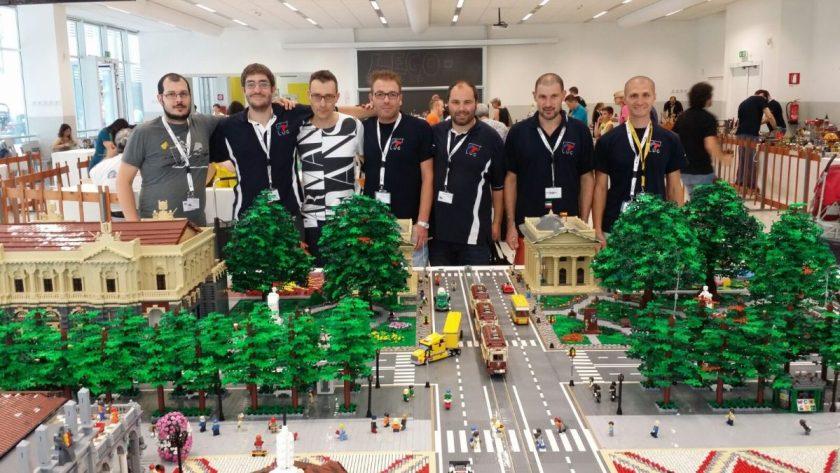 Il gruppo di Amici che ha costruito il Centro Piacentiniano