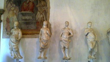 Luogo_Pio_Colleoni_sculture