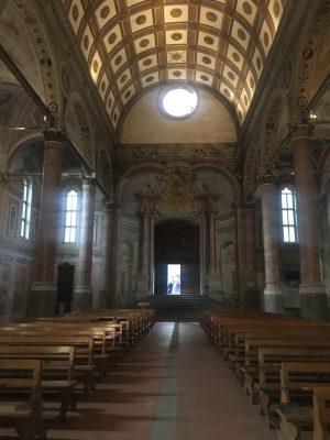 navata centrale di Santa Maria in Valvendra vista dall'altare