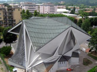 Chiesa di Longuelo dall'alto dopo il restauro laterale
