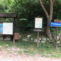 106 Imbocco del sentiero per la Panchina Gigante di Fonteno