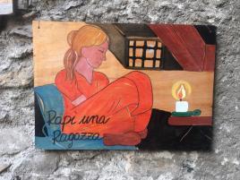 Pannello che racconta il rapimento di una ragazzina da parte delRusì di Gromo