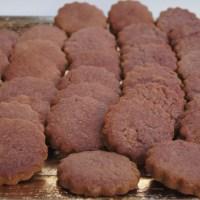 Il Moscato (di Scanzo) in un biscotto. Ecco come nasce un biscotto della tradizione scanzese
