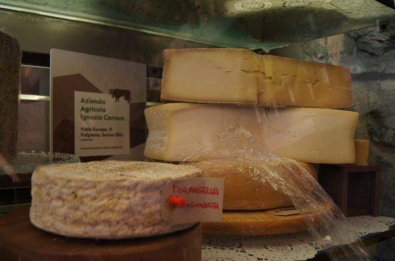 Forme di formaggio delle Prealpi Orobie