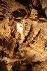 Concrezioni e rocce di dolomia nelle Grotte del Sogno