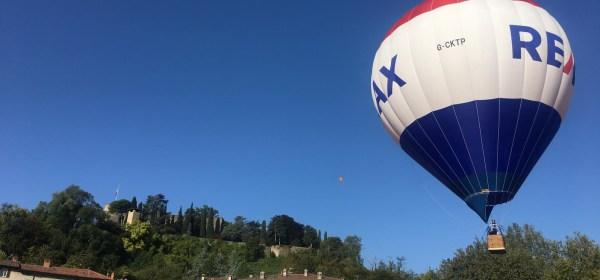 Mongolfiera ancorata al Parco della Fara in Bergamo Alta