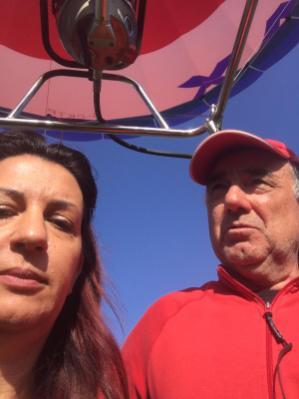 Raffi Garofalo e il pilota della mongolfiera