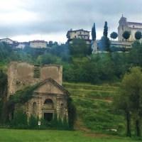 All'antica chiesa di San Giovanni dei Boschi, tra le vigne di Moscato di Scanzo  della Cascina San Giovanni.