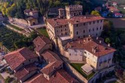 Castello Camozzi dall'alto Terre del Vescovado