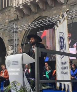 Vinicio Capossela durante il discorso al Graduation Day 2019
