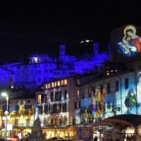 A Lovere è di scena il Natale: dalle opere di Duncan proiettate sugli edifici al Carillon Vivente in Piazza Tredici Martiri