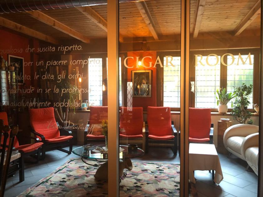 La Cigar Room