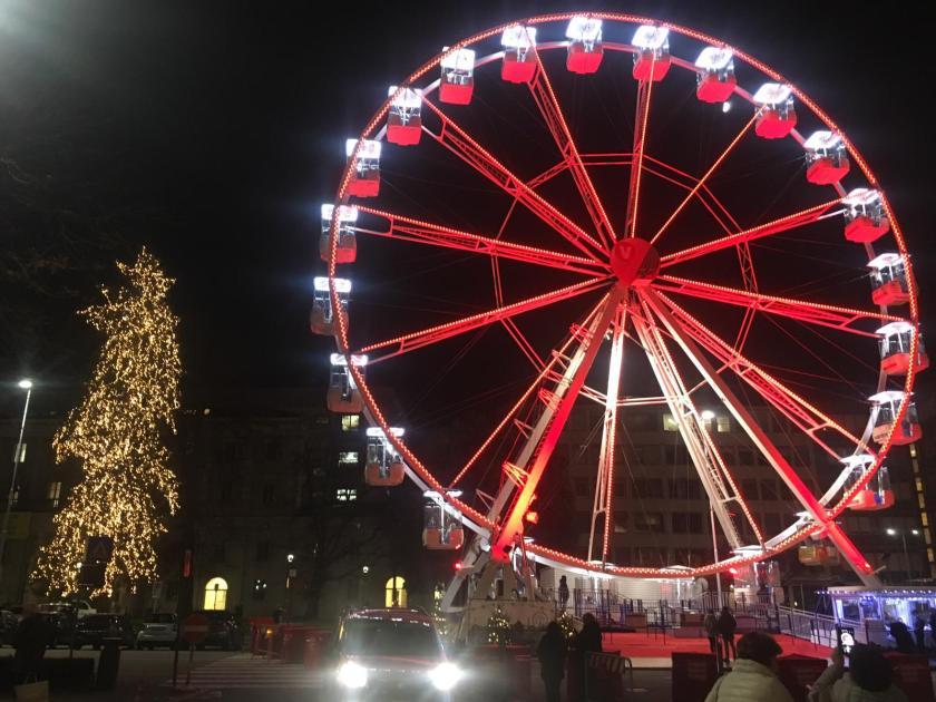La ruota e l'albero di Natale