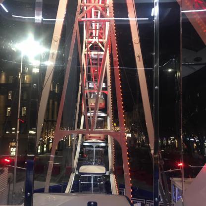 cabine della ruota panoramica viste dall'alto