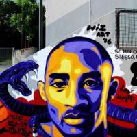 Ricordare Kobe Bryant, Black Mamba, il campione di basket che amava l'Italia dipinto anche da Wiz Art a Cenate Sotto nel 2016