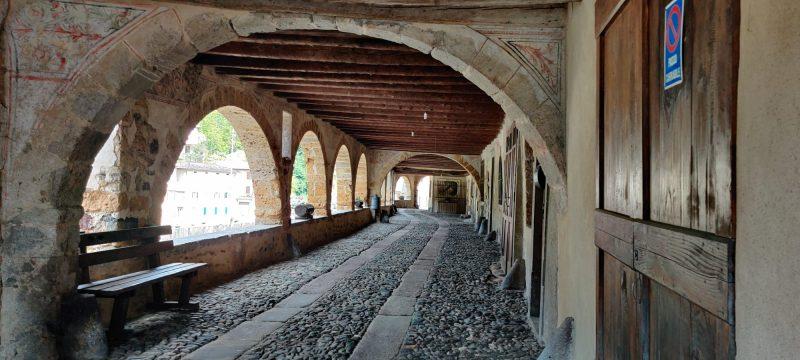 Antica strada porticata di Averara