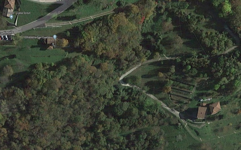 Muraglioni di Ca Marta e Chiesina di San Gaetano visti dal satellite