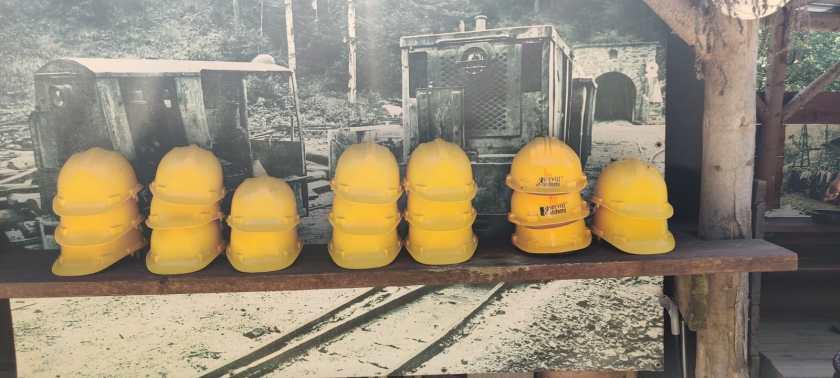 Caschetti per ingresso alla miniera
