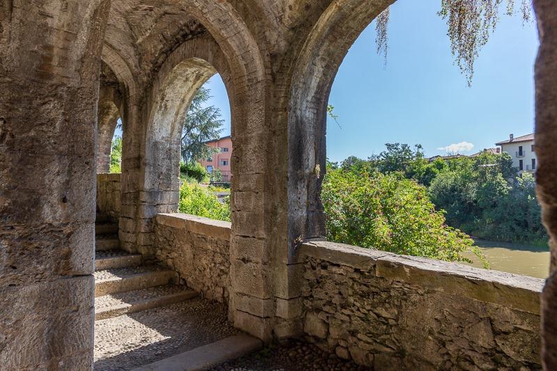 portico della grotta di San Vittore Martire