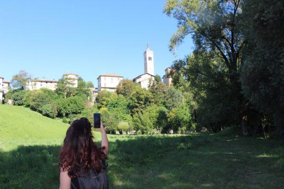 Raffi Garofalo che fotografa il Santuario della Madonna del Castello