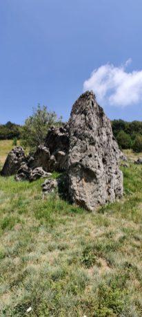 Pinnacolo in roccia sul Monte Zucco