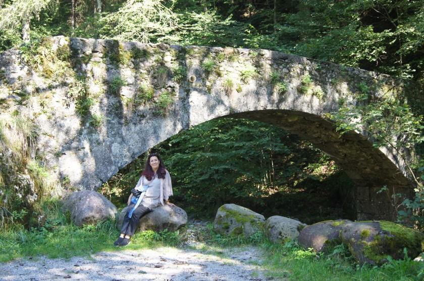 Il ponticello in pietra nei pressi del Mulino di Baresi in Val Brembana