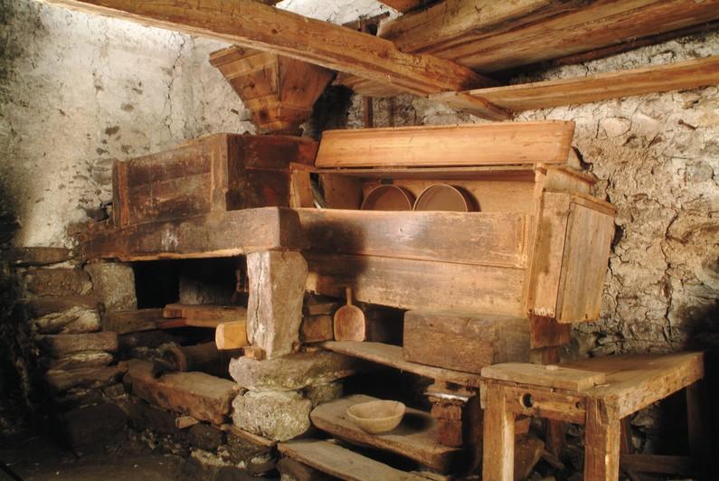 La macina del grano Antico Mulino di Baresi a Roncobello
