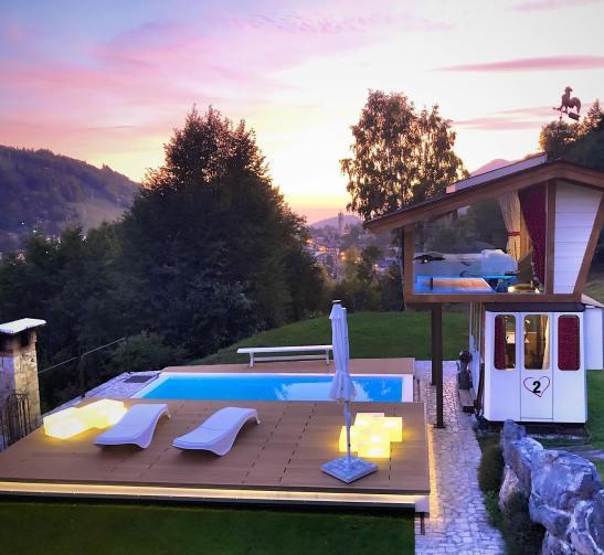 Dormire a Bergamo in una cabina della funivia