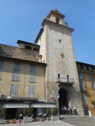 Torre della Campanella Piazza Mascheroni