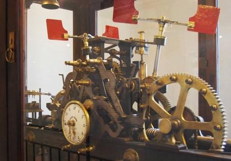 meccanismo orologio Torre dei Caduti