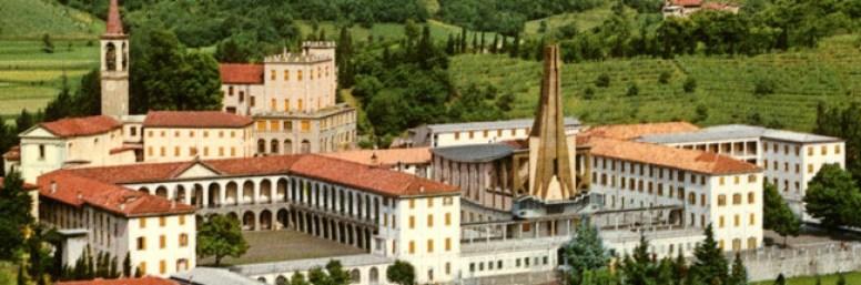 collegio San Carlo di Celana a Caprino Bergamasco visto dall'alto