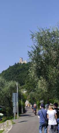 Monte Isola in Bicicletta - Via Degli Ulivi verso la Rocca